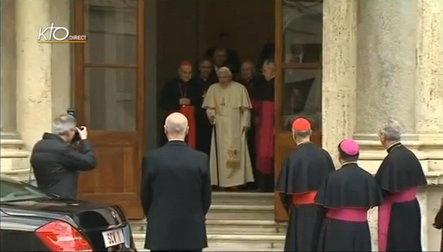 17:00 - Pope leaves Apostolic Palace